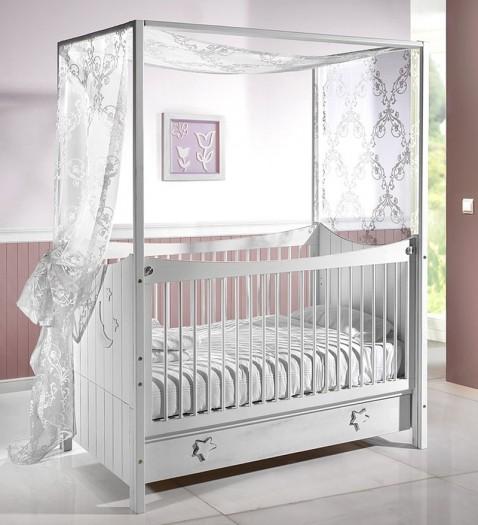 Quelques jolis berceaux pour la chambre de b b for Organiser la chambre de bebe